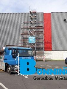 LKW Blau Halle Lagerhalle Kaufland Großlager